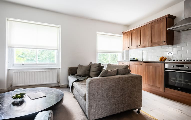 Lovely Notting Hill Home - 1 Bedroom Apartment