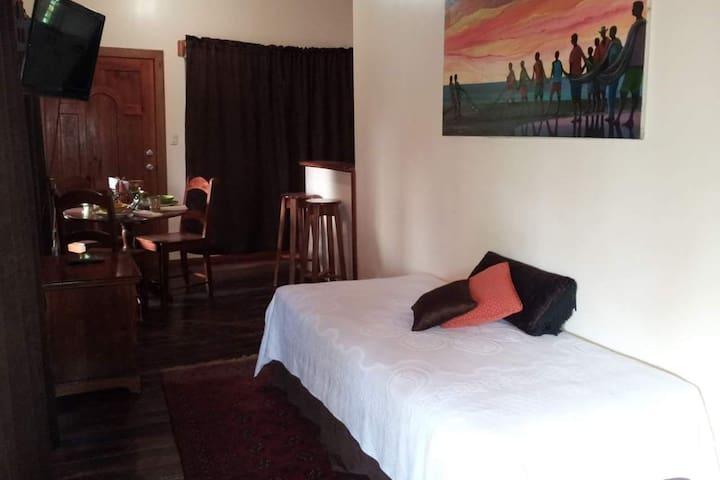 Sala comedor y extra cama