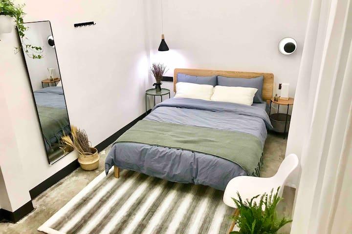 【星光】牌坊街 独享三层空间 免清洁费 温馨安静的设计师小宅,两分钟步行到牌坊街