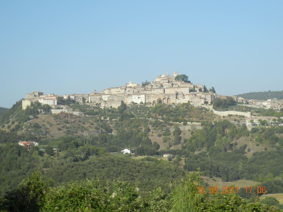 Panorama sul borgo medievale di Amelia