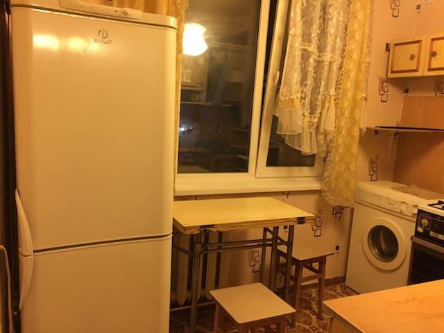 Трёхкомнатная квартира в 5-ом микрорайоне - Klin - Flat