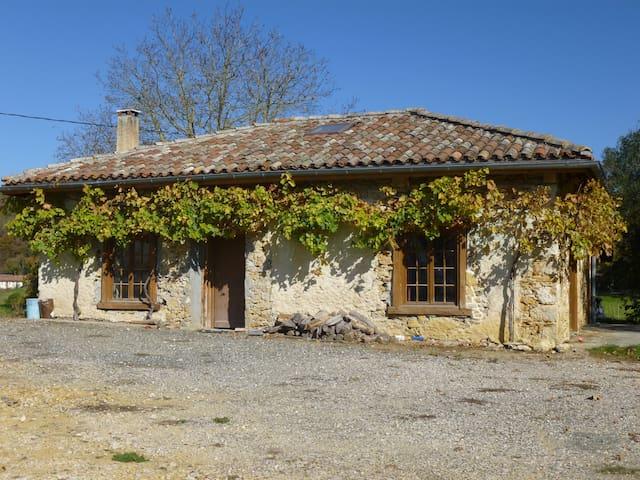 Ancienne dépendance pierre et bois - Alan - House