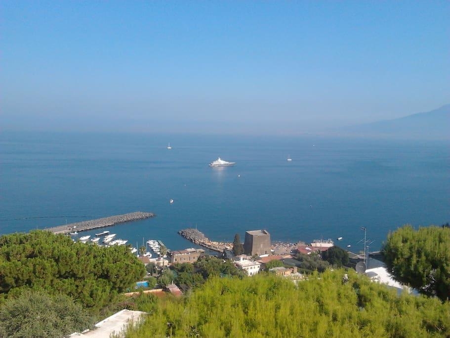 Panorama dalla terrazza: la Torre Saracena