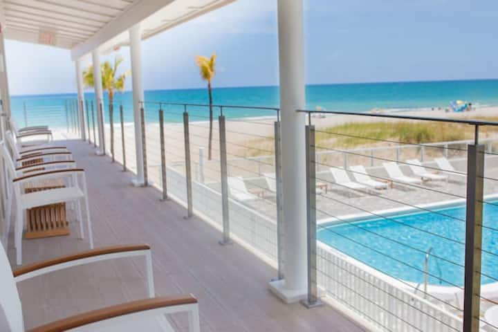 Beachside Hotel-Style room, 2 double beds with pool #11