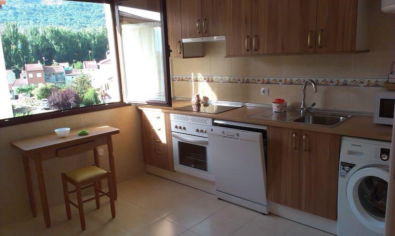 Apartamento Gredos C ,hasta 11 pax - Navaluenga