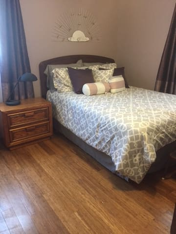 Quiet Private Room in  Crown Point Home (Indiana) - Crown Point - Casa