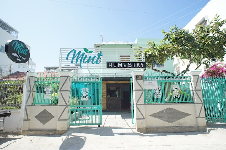 MINT HOMESTAY NHA TRANG (DELUXE DOUBLE ROOM)