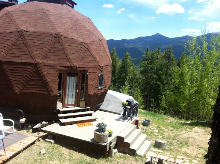 Unique Dome Retreat near Mt. Evans