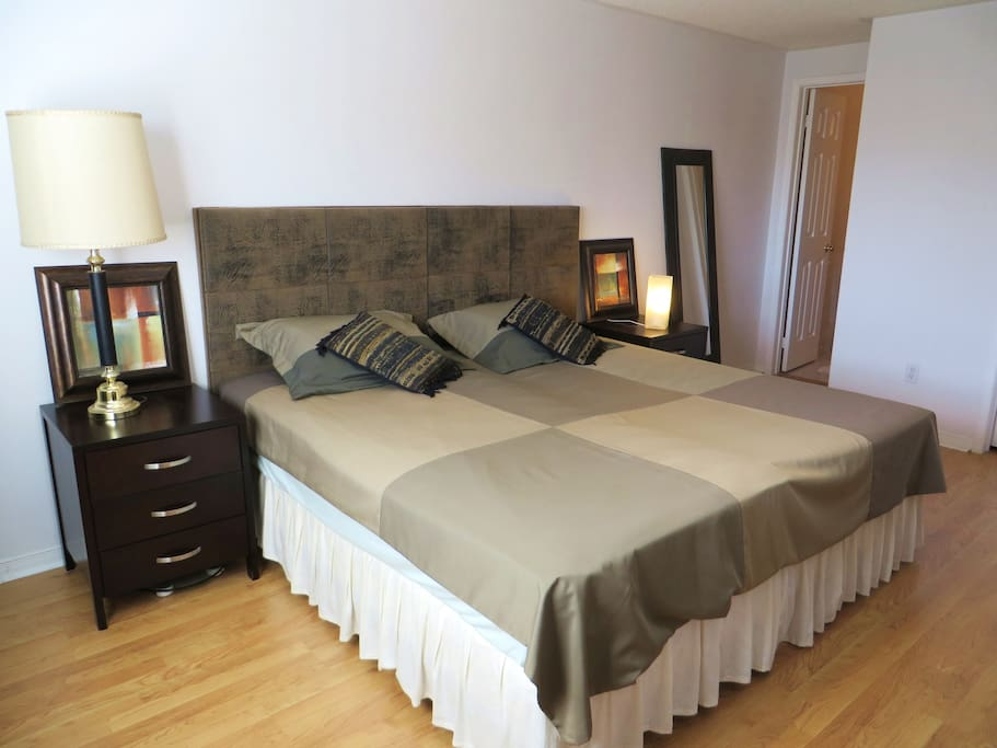Sunny En Suite Master Bedroom Maisons Louer Mississauga Ontario Canada