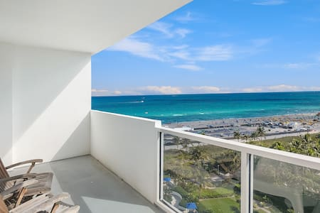 Stunning Luxury Oceanfront Loft-like Condo