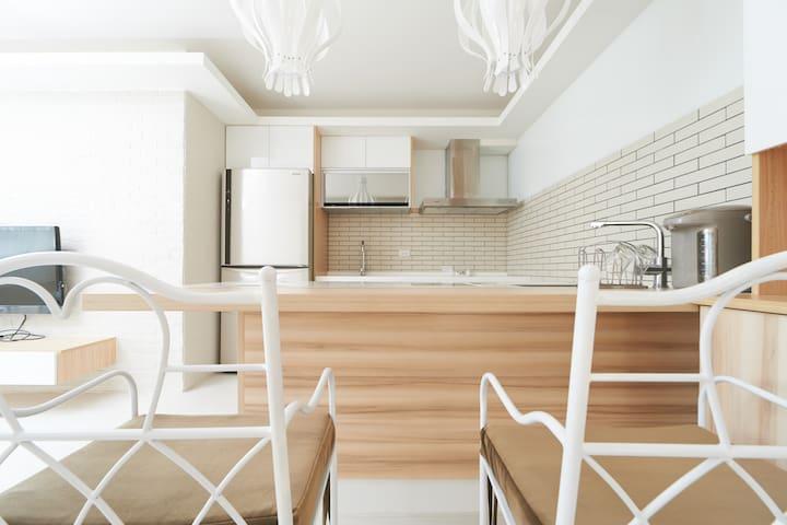 寬敞的廚房空間Spacious Open Kitchen