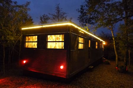 Tin Can Acres: Vintage Trailers  - Denison