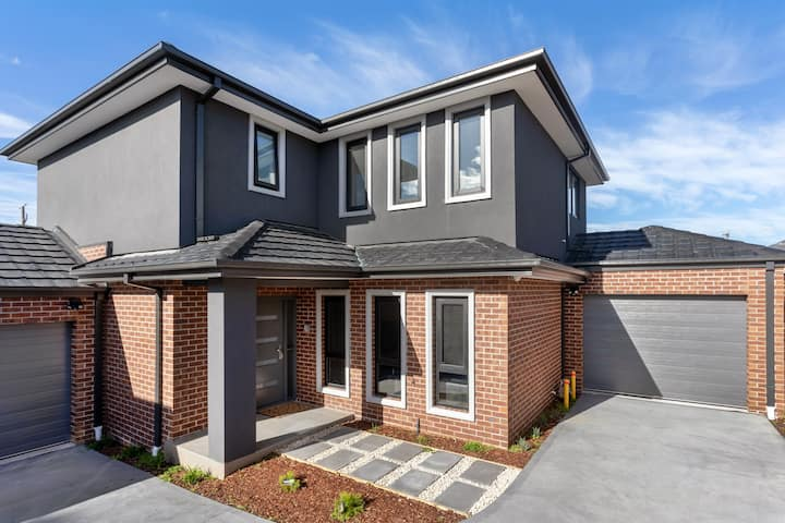 Brand  new luxurious house close to all amenities