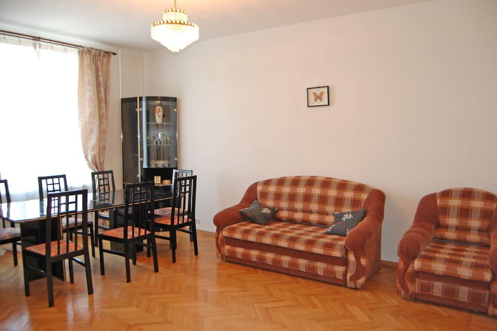 3 zimmer wohnung in zentrum moskau wohnungen zur miete in moskau russland. Black Bedroom Furniture Sets. Home Design Ideas