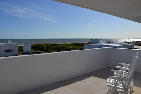 Beach Houses, steps from the sea - La Paloma - Hus