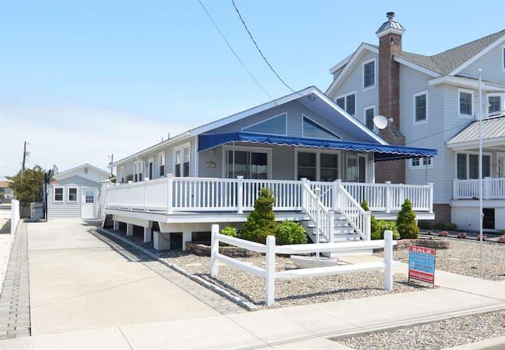 Avalon House 16th St