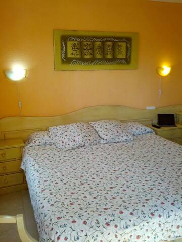 HABITACION con Baño en suite y desayuno - Can Picafort - Apartamento