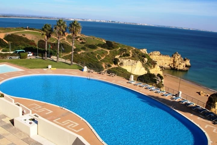 Great location of two private pools ( paddling pool for children and another 35 meters for adults) within the Iberlagos complex. In 2019, the pools  are open all year!