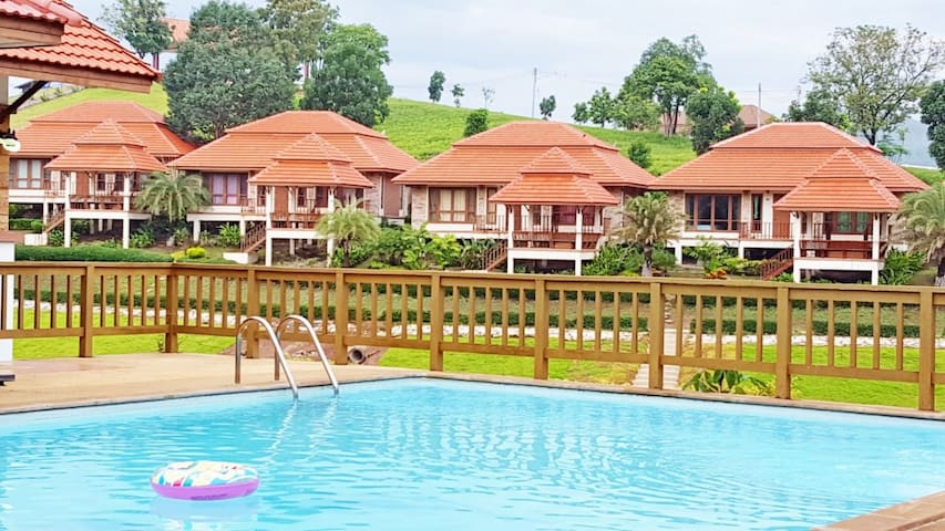 Holiday House at Thaongsathit Hill Resort Khao Yai - Pak Chong - House