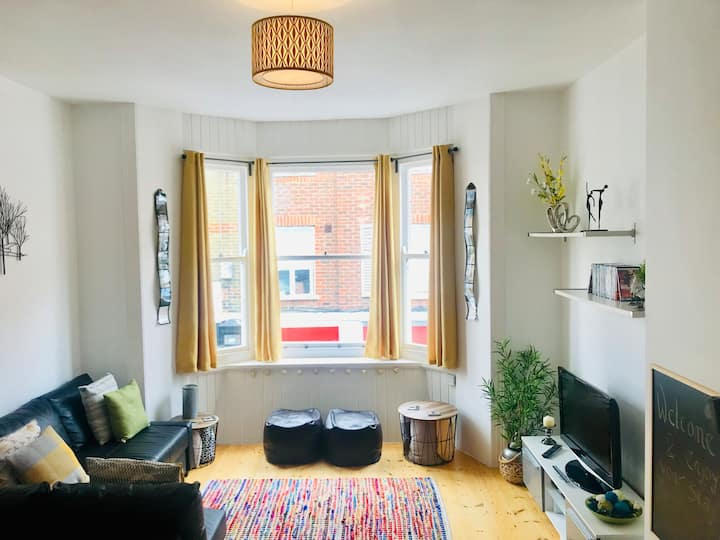 PJ's Central,  A Ventnor Family Holiday Apartment