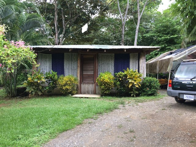 Habitación para dos personas en PJ. - Golfito - Huis