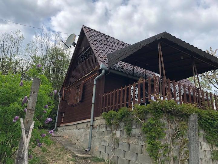 Fenyveshegyi Házikó - Verőce