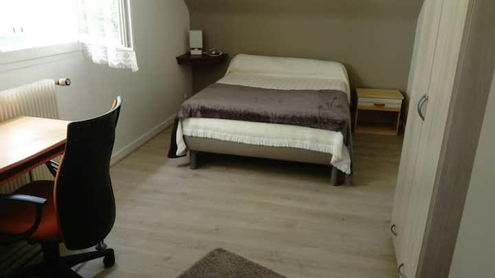 Chambre meublée avec cuisine tout   équipée