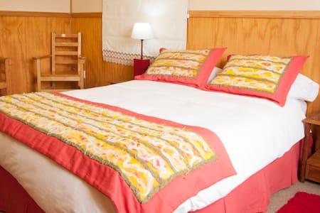 Habitación matrimonial o single - Puerto Natales