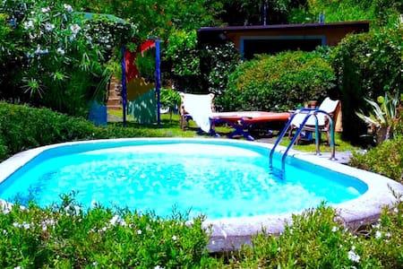 Awesome private triple room en suite bathroom swimming-pool a.c. wi-fi 2R - Valdicastello - Vila