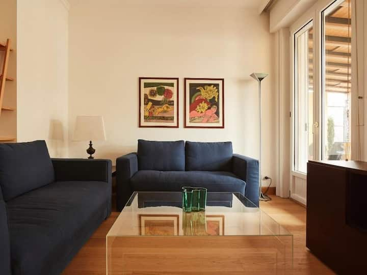 Luxury 2bdr w/terrace in the heart of Milan 81173