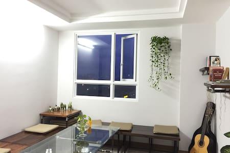Sky Center hostel, Sun Room-9 beds in CBD Apt - Ho Chi Minh
