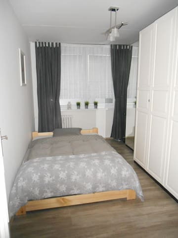 Praha 17 - flat near the airport V. Havel 10 min.