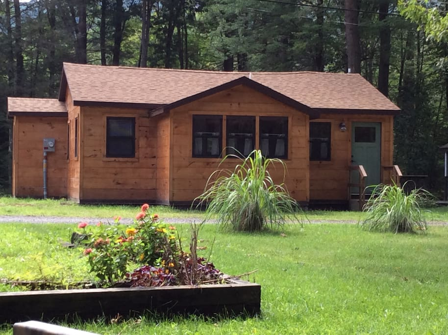 Moon lake cottage cabins for rent in ashland for Lake cabin rentals pennsylvania