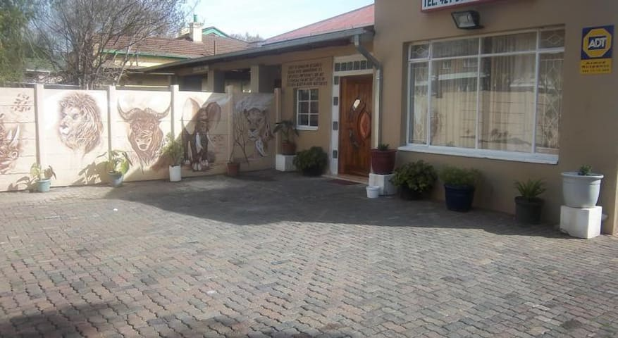 Franchise Guest House - Benoni - Apartment