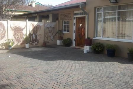 Franchise Guest House - Benoni - Huoneisto