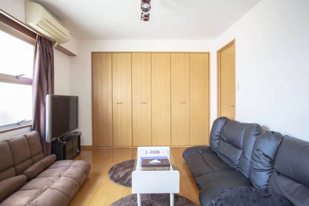 wide cozy living room!