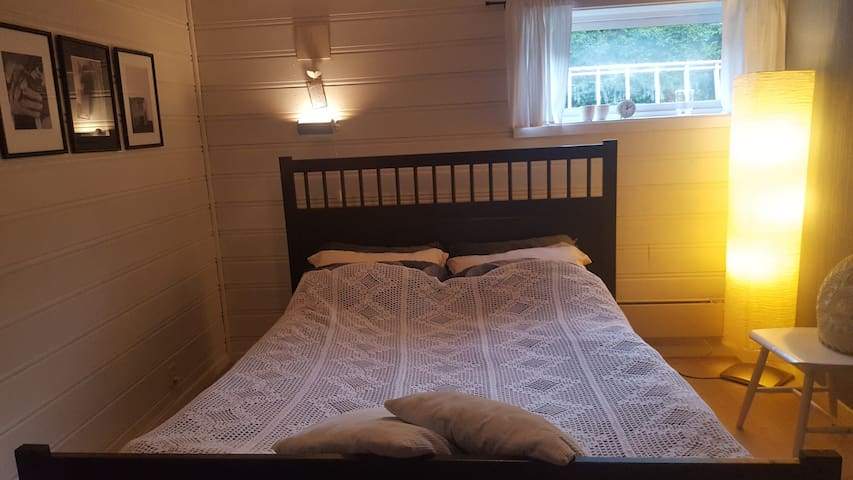 Main bedroom with doublebed.