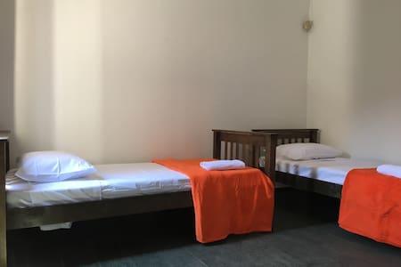 Hostel Central Brasil - Dormitório Duplo - Campinas