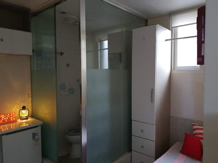 Hiwell libeingtel room no.211/BTS/강남역근처/k-pop/초소형