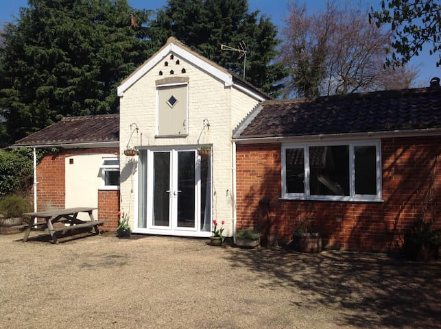 Quaint and quiet Suffolk Coachhouse - Melton - Apartemen