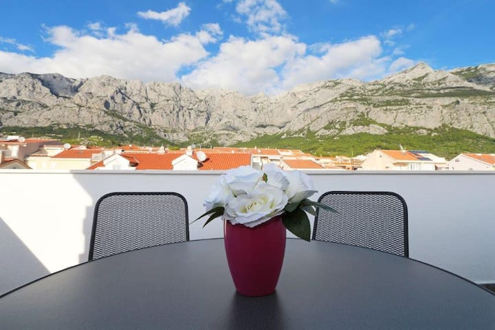 New studio/terracce/great price!! Value 4 Money! - Makarska - Huoneisto