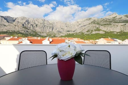 New studio/terracce/great price!! Value 4 Money! - Makarska - Apartment