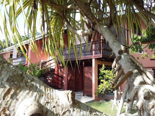 Bora Bora Holiday's Lodge- Appt 2chbr A/C (5 pers)