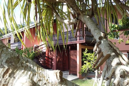 Bora Bora Holiday's Lodge- Appt 2chbr A/C (5 pers)