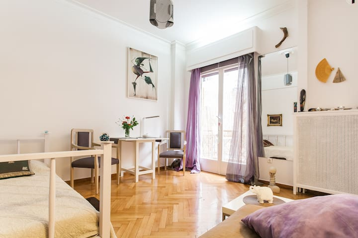 Studio apartment in the heart of Athens