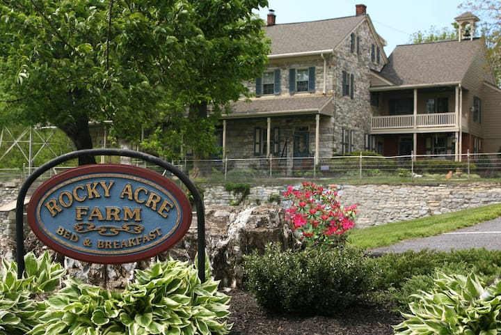 ROCKY ACRE FARM B&B