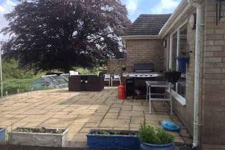 Modern and open plan house with stunning views. - East Sussex - 一軒家