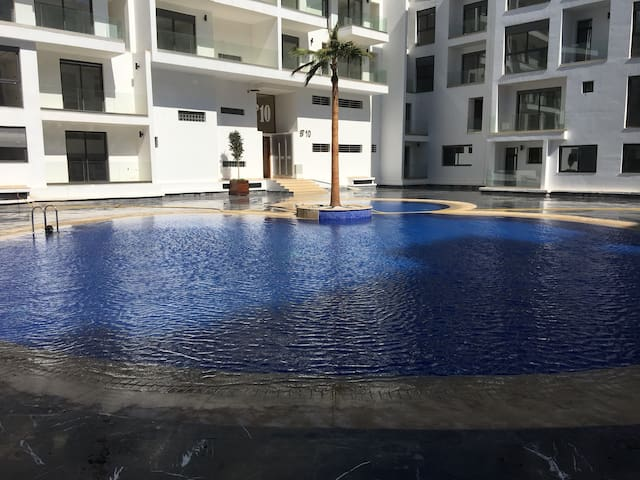 Luxury 2 Bed Appartment with Swimming Pool