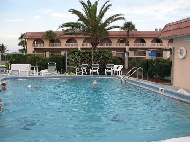 Oceanfront condo - Cape Canaveral - Appartement
