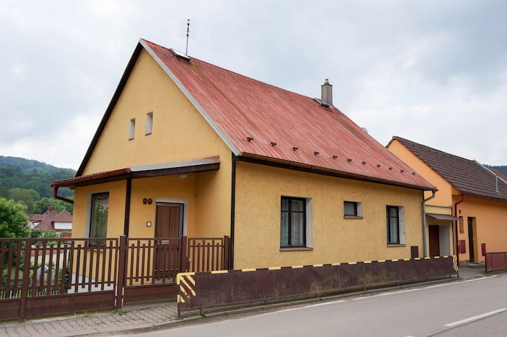 Cozy house in Sázava - Sázava - Ev